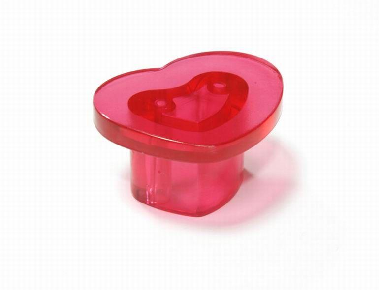 14510 - plastová knopka srdce / červená 12