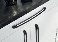 12586 - Úchytka 320mm / železo broušené